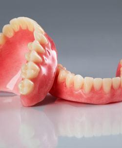 Full-Denture-min
